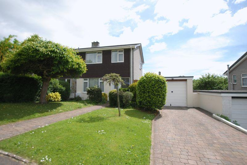 3 Bedrooms Semi Detached House for sale in Castlemead Drive, Saltash