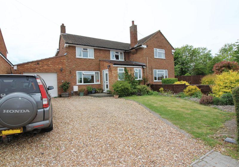 4 Bedrooms Semi Detached House for sale in Barton-le-Clay