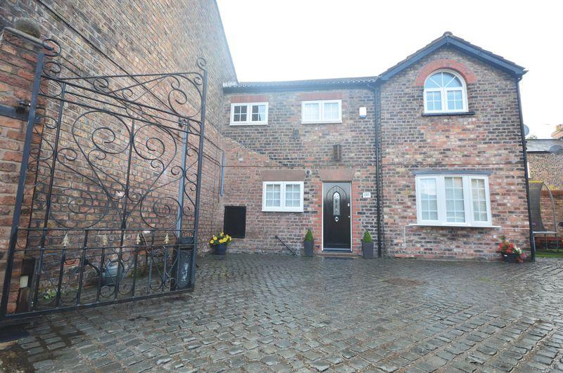 2 Bedrooms Terraced House for sale in Bridge Road, Mossley Hill