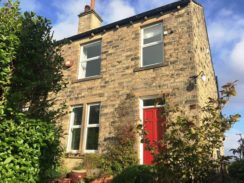 3 Bedrooms Semi Detached House for sale in Springfield Mount, Bill Lane, Holmfirth