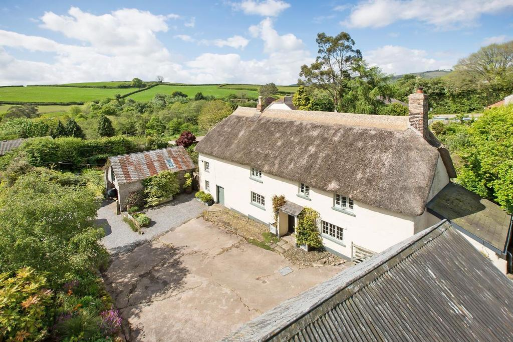 4 Bedrooms Detached House for sale in Bickington