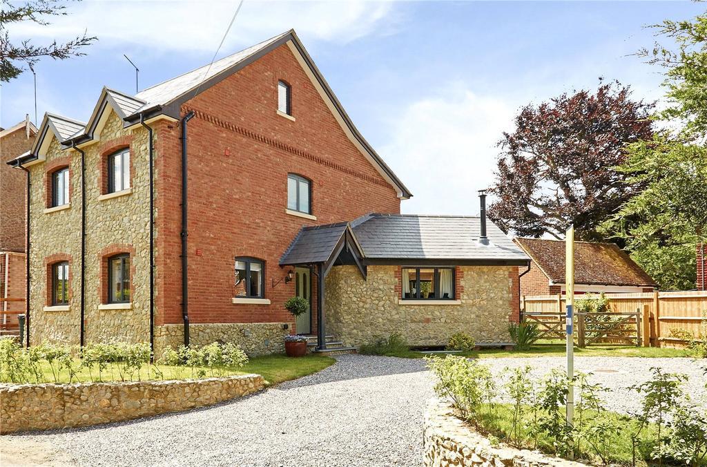5 Bedrooms Detached House for sale in East Street, Addington, West Malling, Kent, ME19