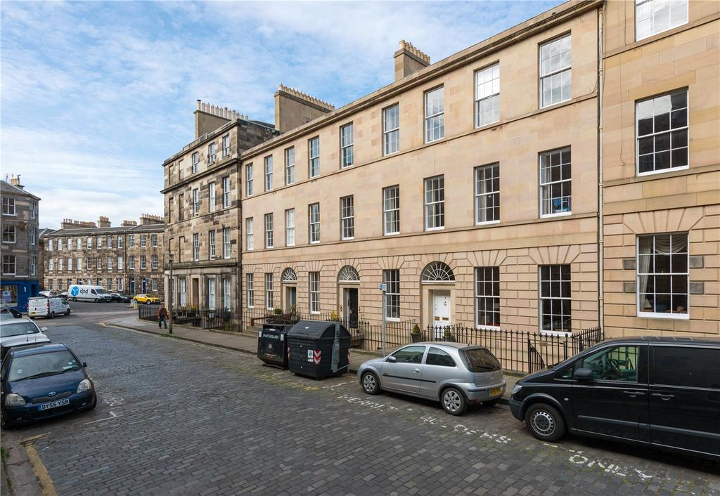 2 Bedrooms Flat for sale in 7A Clarence Street, New Town, Edinburgh, EH3