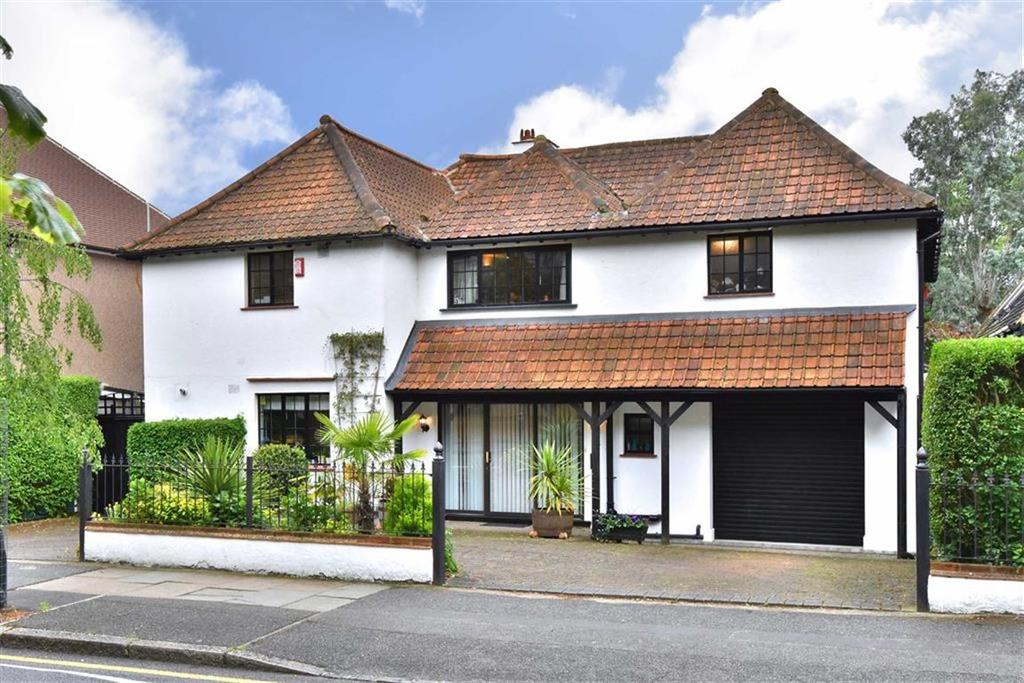5 Bedrooms Detached House for sale in Nightingale Lane, Bromley, Kent