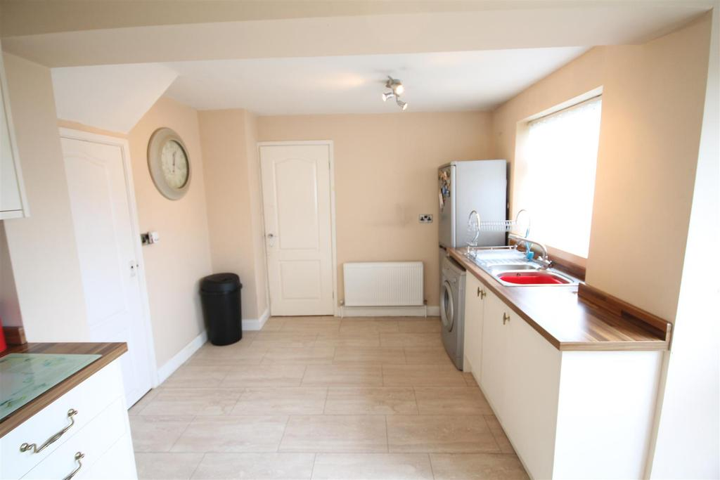 3 Bedrooms Semi Detached House for sale in Wyverne Court, Hartlepool