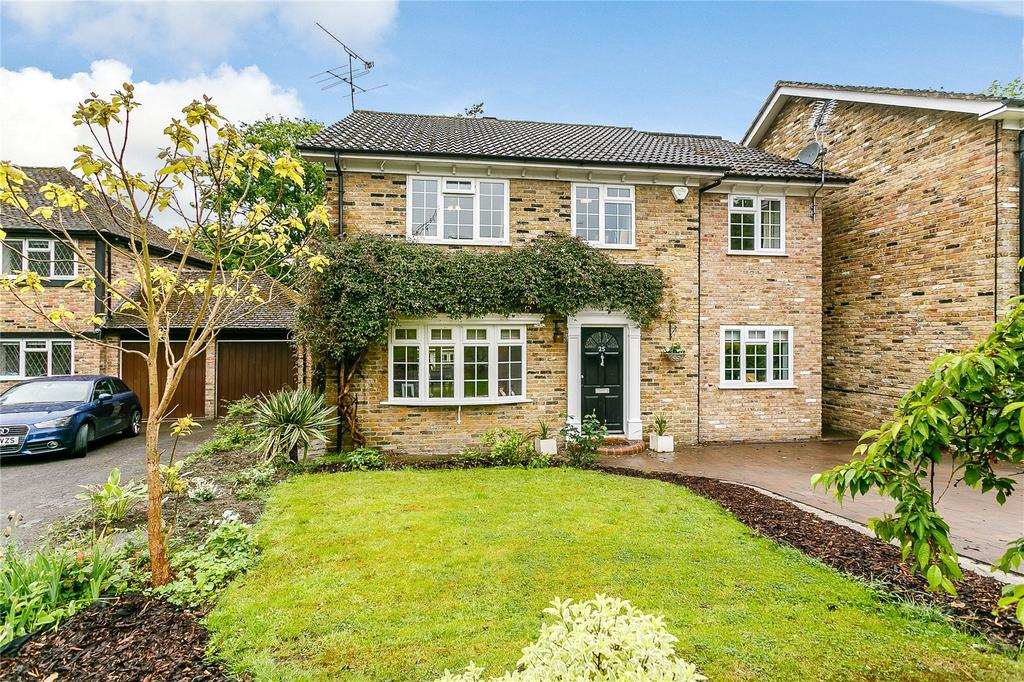 4 Bedrooms Detached House for sale in Turpins Rise, Windlesham, Surrey