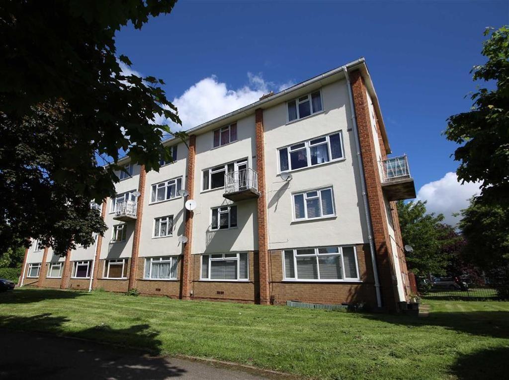 2 Bedrooms Duplex Flat for sale in Crown Way, Leamington Spa, Warwickshire, CV32