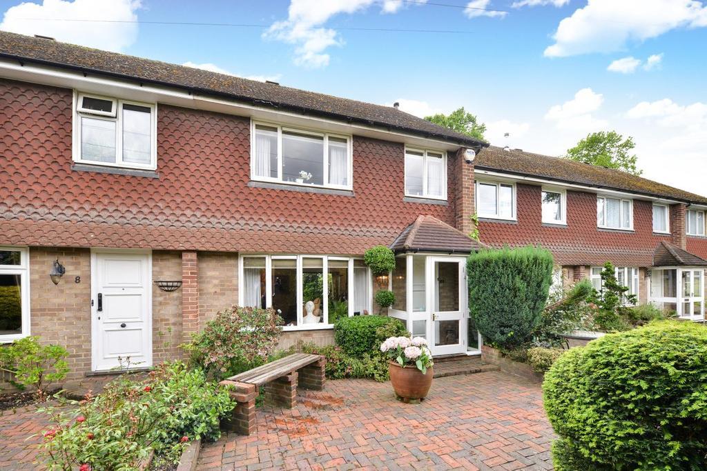 3 Bedrooms Terraced House for sale in Bull Lane, Chislehurst, BR7