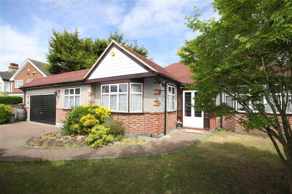 3 Bedrooms Detached Bungalow for sale in St Johns Road, Petts Wood East