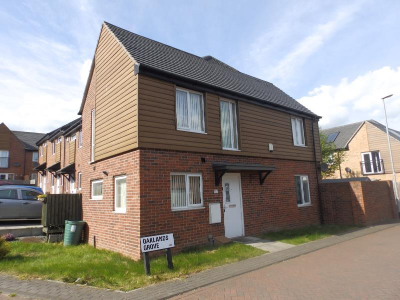 2 Bedrooms End Of Terrace House for sale in OAKLANDS GROVE, GIPTON, LEEDS, LS8 3TD