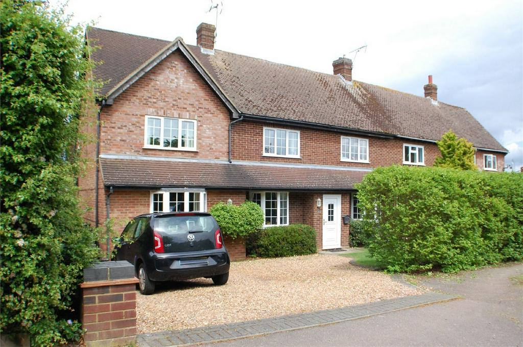 4 Bedrooms Semi Detached House for sale in Wadnall Way, Knebworth, Hertfordshire