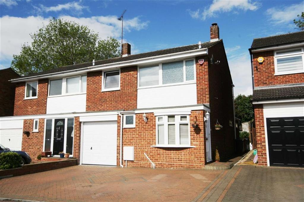 3 Bedrooms Semi Detached House for sale in Snells Mead, Buntingford