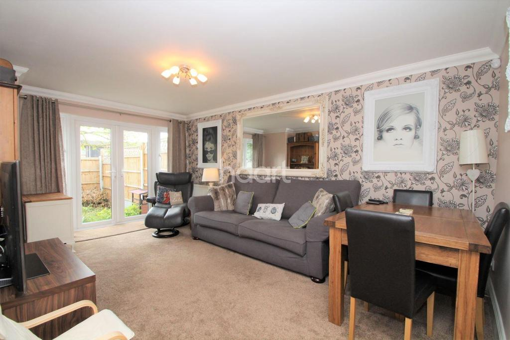 3 Bedrooms Terraced House for sale in Meredene, Basildon
