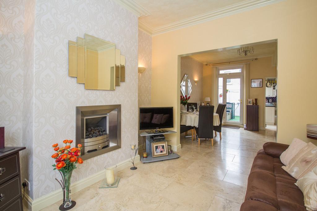3 Bedrooms Terraced House for sale in Warwick Street, Barrow-In-Furness