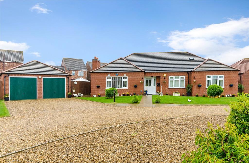 3 Bedrooms Detached Bungalow for sale in Suffolk Acre, Coningsby, Lincoln, LN4