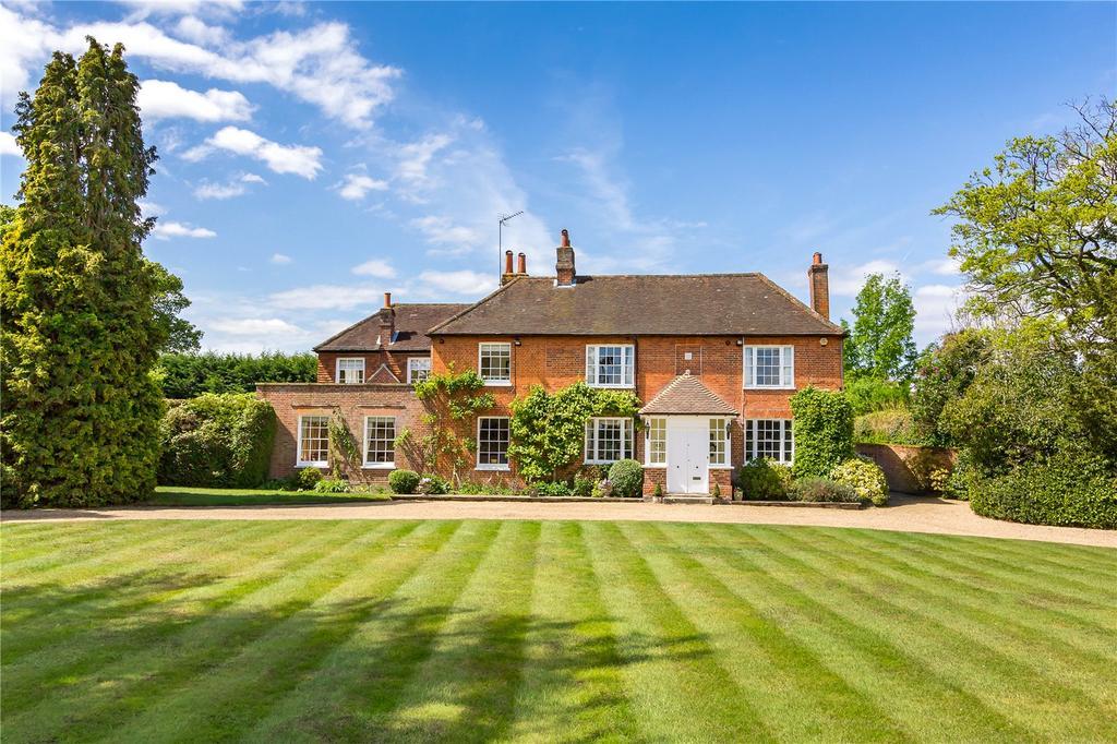 5 Bedrooms Detached House for sale in Frog Grove Lane, Wood Street Village, Guildford, Surrey