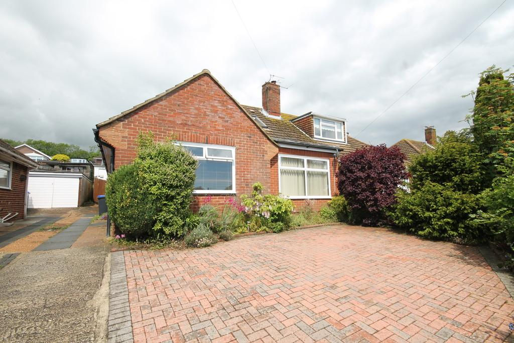 2 Bedrooms Semi Detached Bungalow for sale in Downside, Shoreham-by-Sea, BN43 6HE