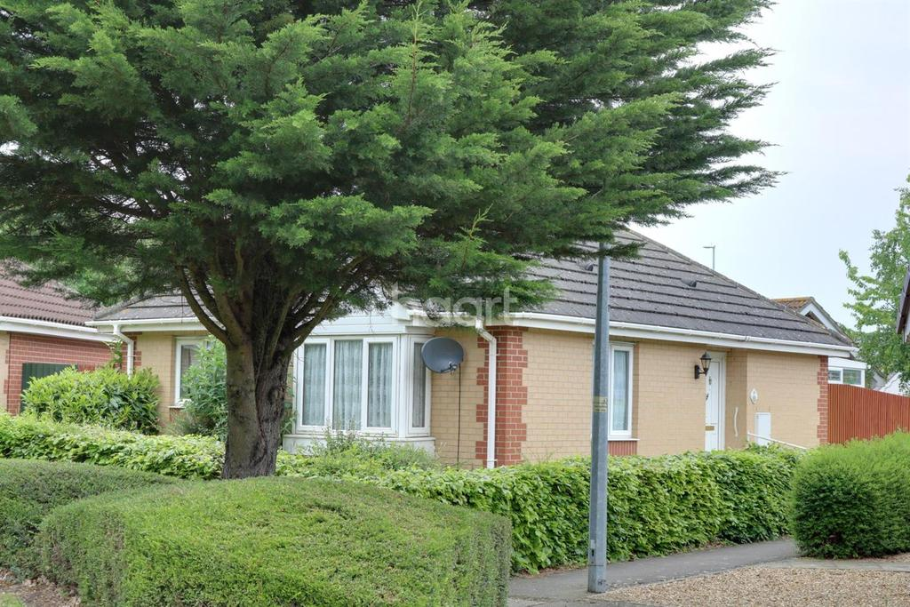 2 Bedrooms Bungalow for sale in Petts Close, Walsoken