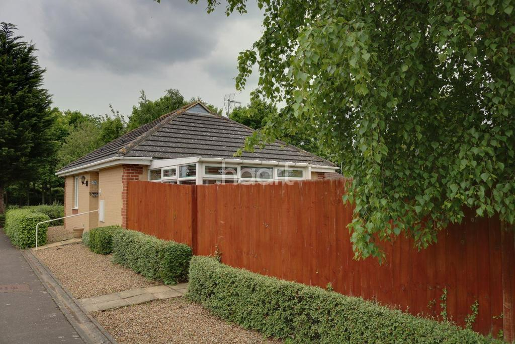 Petts Close Walsoken 2 Bed Bungalow For Sale 163 164 995