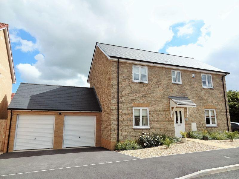 4 Bedrooms Detached House for sale in Ivory Road, Bridgwater