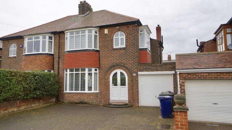 3 Bedrooms Semi Detached House for sale in TRENTHAM AVENUE Benton