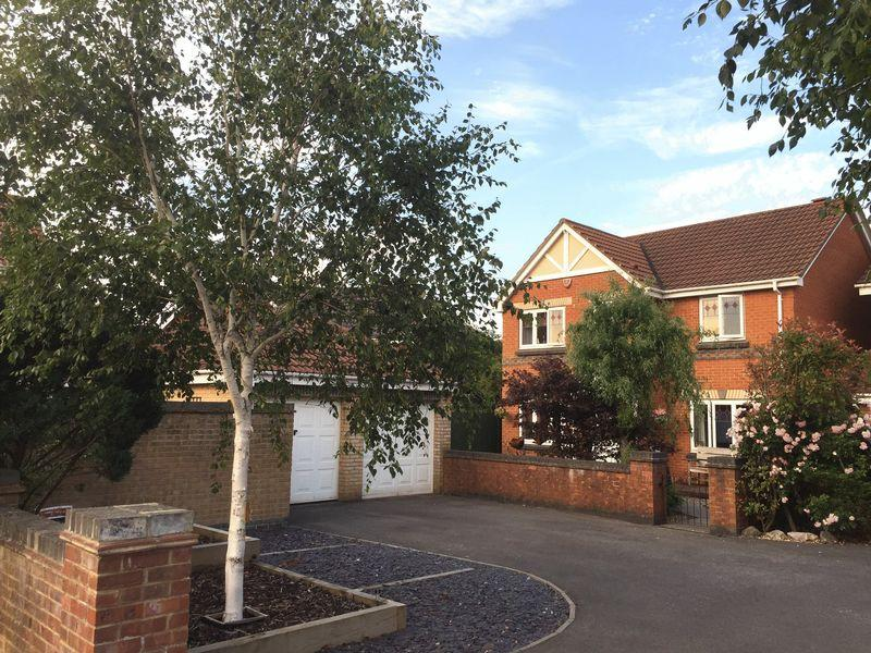 4 Bedrooms Detached House for sale in Ladymead, Portishead