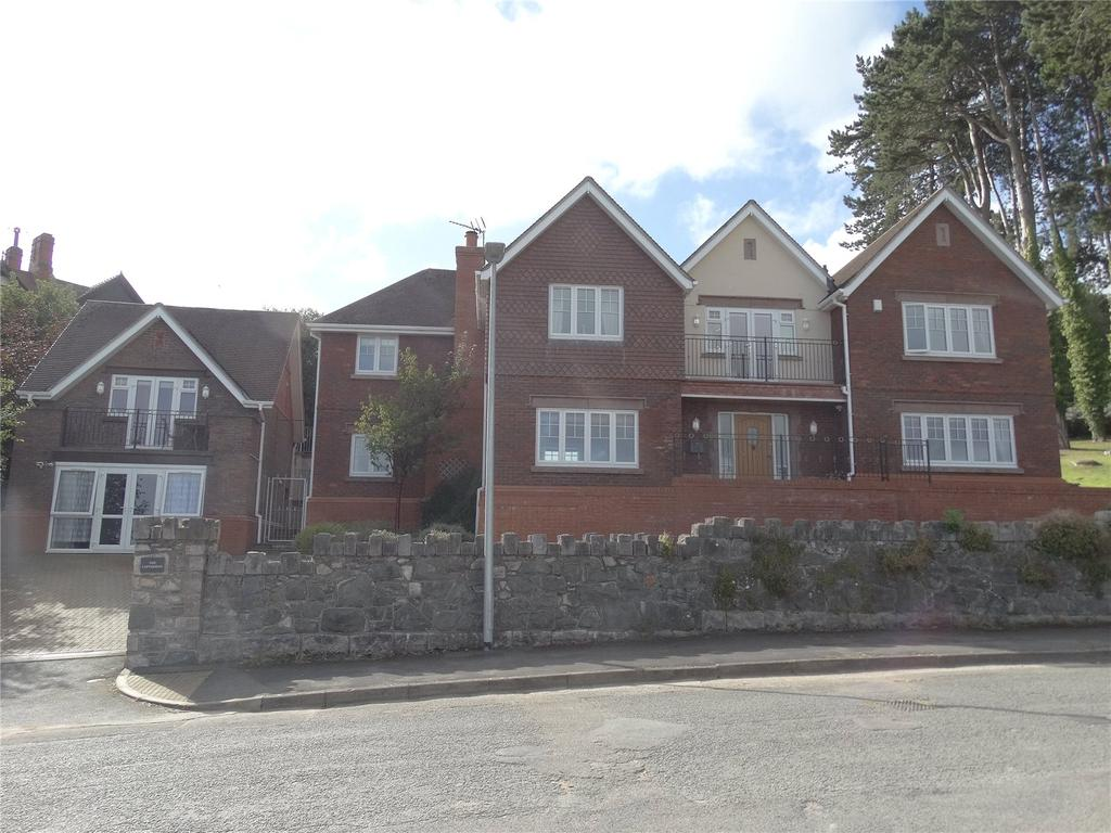 5 Bedrooms Detached House for sale in Oak Drive, Colwyn Bay, Clwyd, LL29