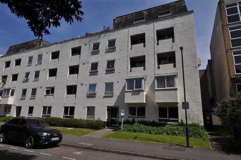 2 Bedrooms Flat for sale in Stuart Court, Warwick Terrace, Leamington Spa