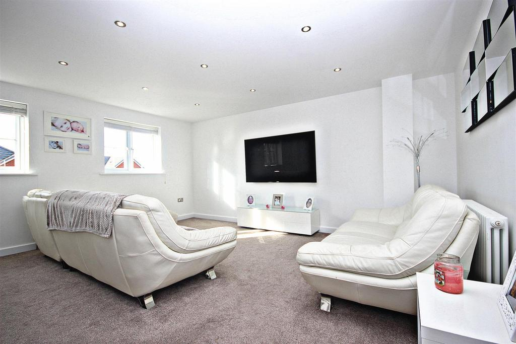 4 Bedrooms End Of Terrace House for sale in Holly Crescent, Sacriston, Durham