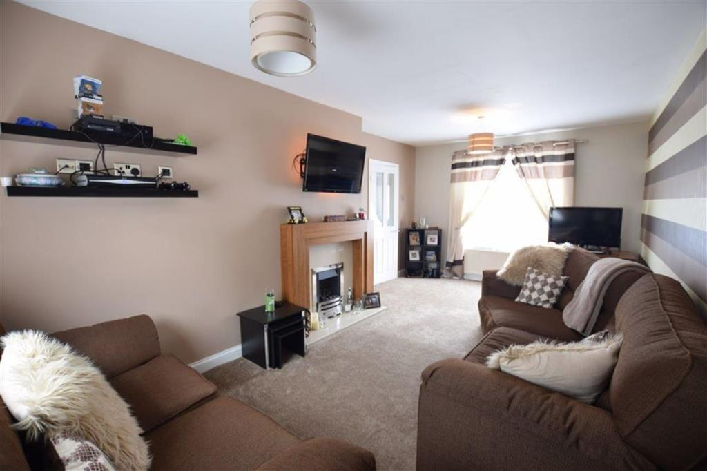 2 Bedrooms Semi Detached House for sale in Lupton Crescent, Lowedges, Sheffield, S8