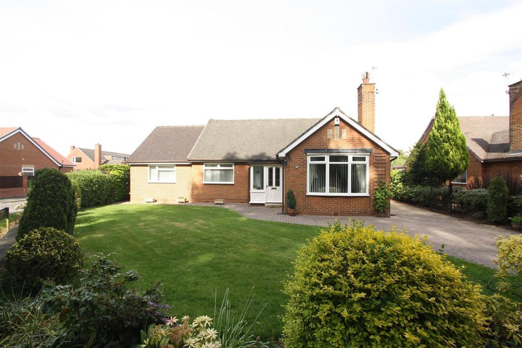 2 Bedrooms Detached Bungalow for sale in Middleton Lane, Middleton St. George, Darlington