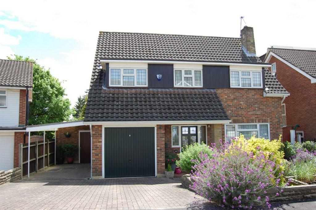 3 Bedrooms Detached House for sale in Southernhay, Loughton, IG10