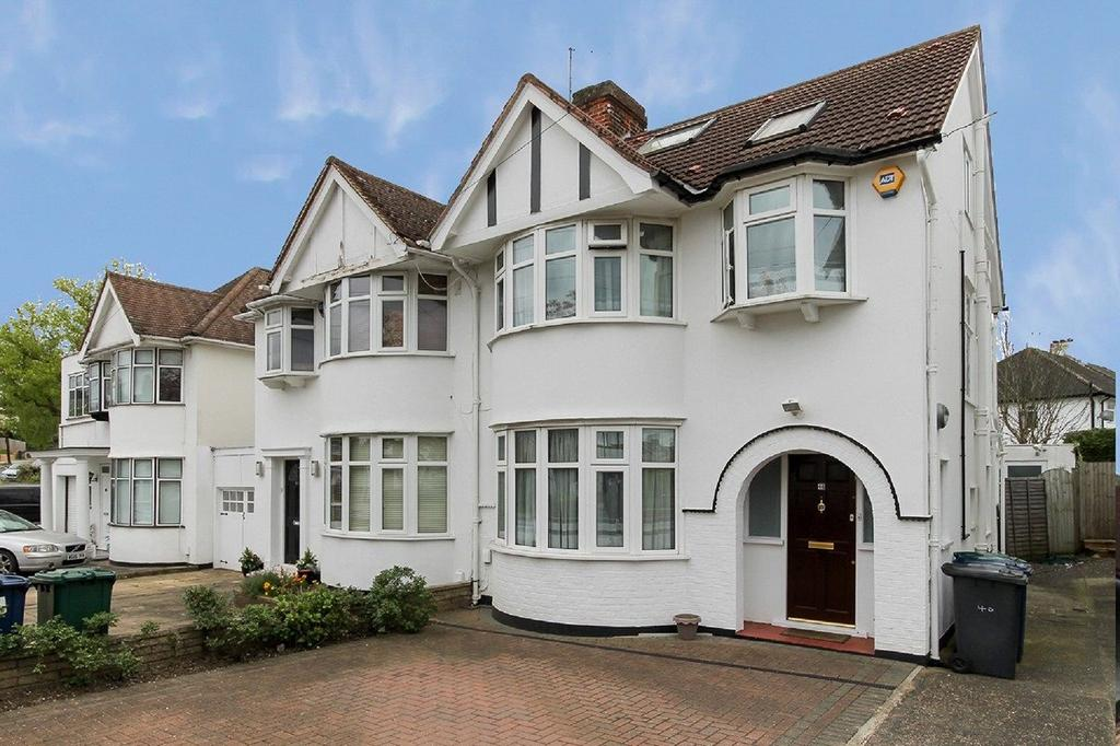 4 Bedrooms Semi Detached House for sale in Stoneyfields Lane, Edgware, London, HA8