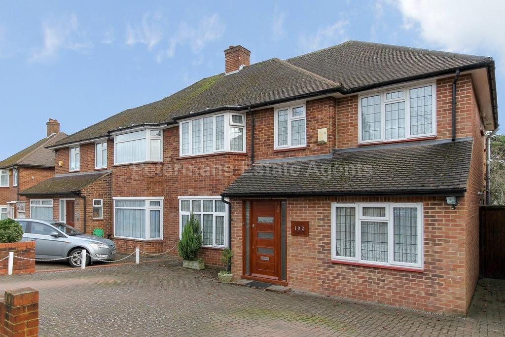 4 Bedrooms Semi Detached House for sale in Francklyn Gardens, Edgware, London, HA8