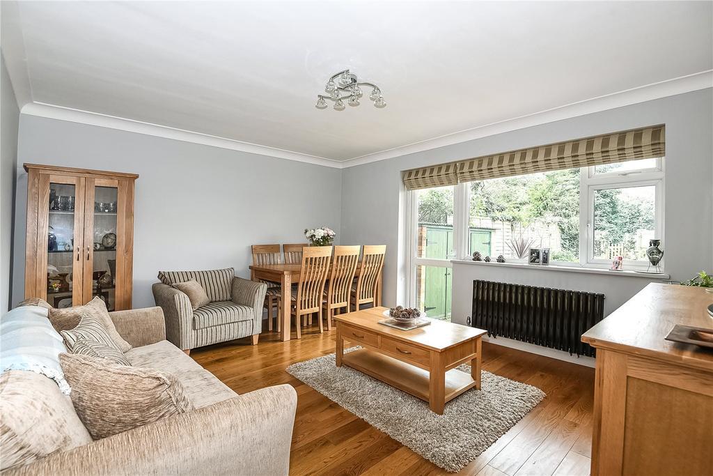 2 Bedrooms Maisonette Flat for sale in Poplar Walk, London, London, SE24