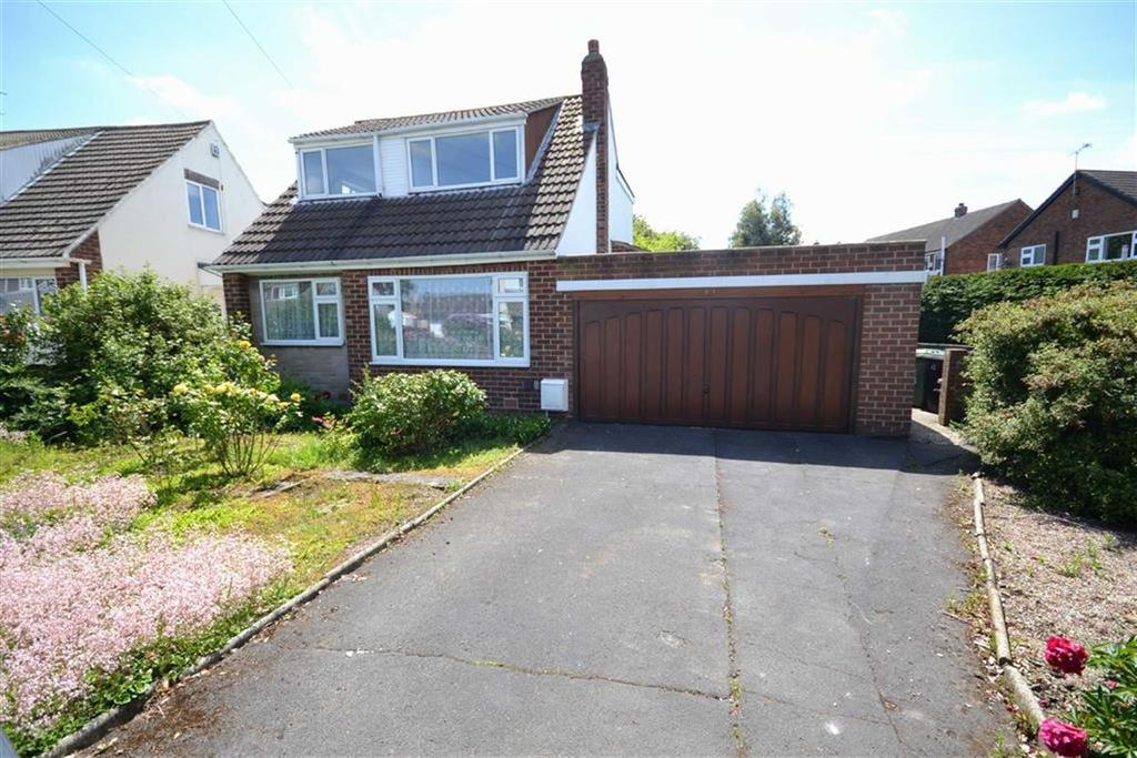 3 Bedrooms Detached House for sale in Whitecliffe Crescent, Swillington, Leeds, LS26