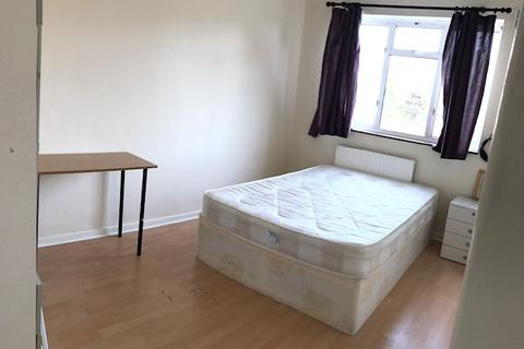 4 bedroom flat share to rent - Cobden House, Nelson Gardens, London E2