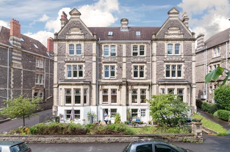 1 Bedroom Flat for sale in Downleaze, Stoke Bishop, Bristol, BS9