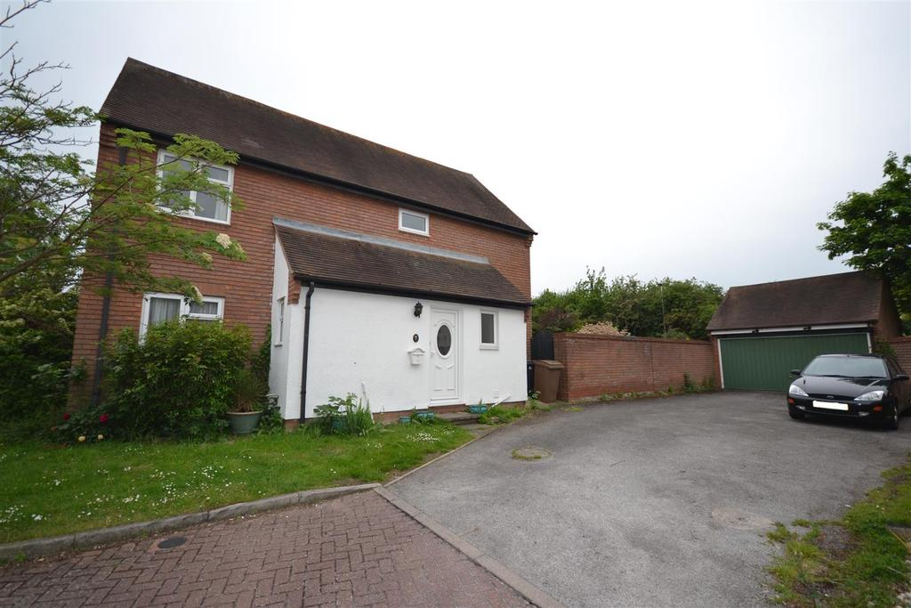 4 Bedrooms Detached House for sale in Bickerton Point, South Woodham Ferrers