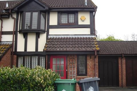 3 bedroom semi-detached house to rent - Otter Road, Abbeymead, Gloucester GL4