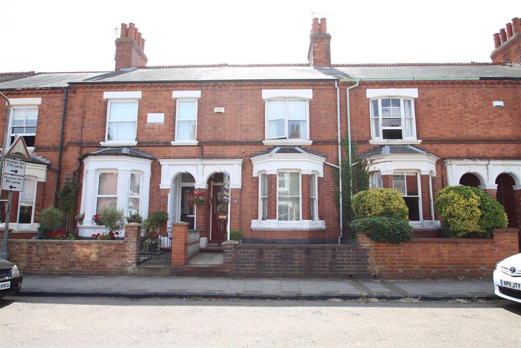 3 Bedrooms Terraced House for sale in Victoria Street, Wolverton, Milton Keynes