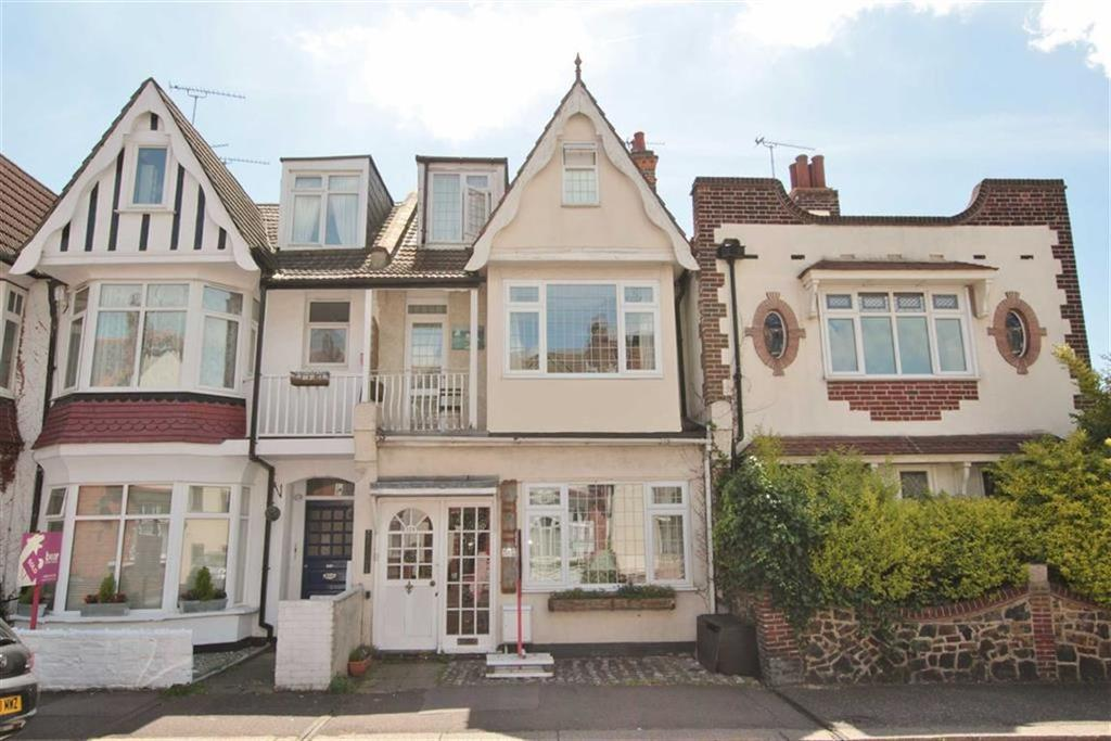 4 Bedrooms Terraced House for sale in Pall Mall, Leigh-On-Sea, Essex