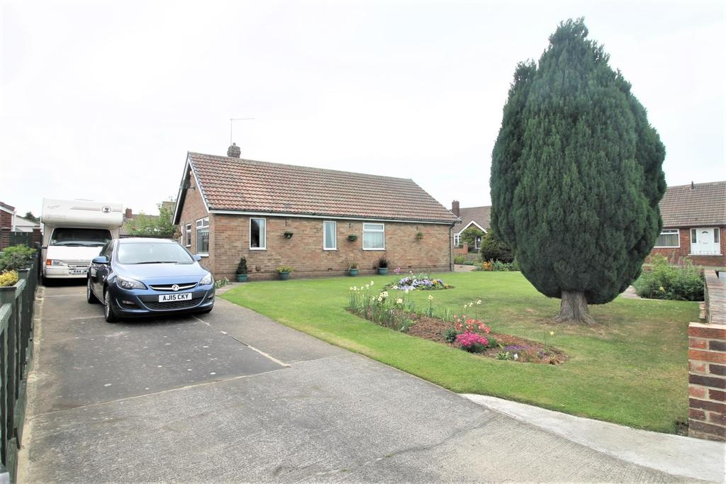 3 Bedrooms Detached Bungalow for sale in Laburnum Road, Ormesby