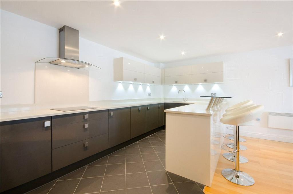 3 Bedrooms Flat for sale in St. David's Square, Isle Of Dogs, London, E14