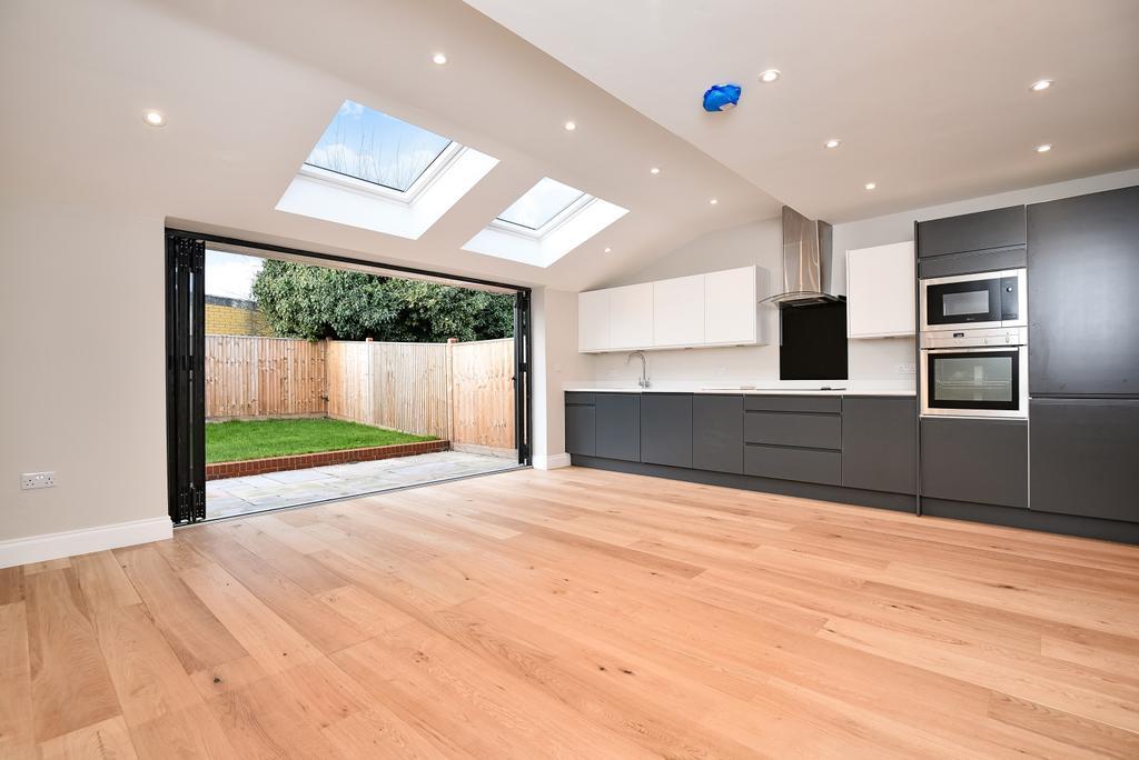 3 Bedrooms Semi Detached House for sale in Arbuthnot Lane Bexleyheath DA5