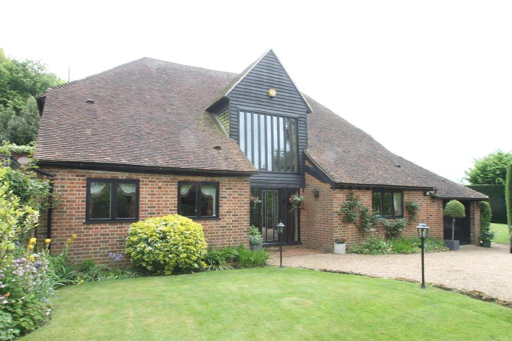 4 Bedrooms Barn Conversion Character Property for sale in Grove Green, Weavering, Maidstone