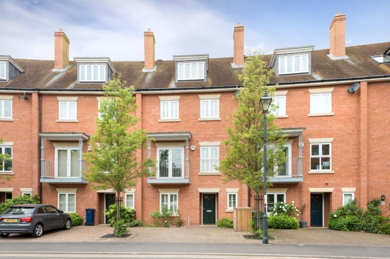 4 Bedrooms Terraced House for sale in William Lucy Way, Oxford, Oxfordshire