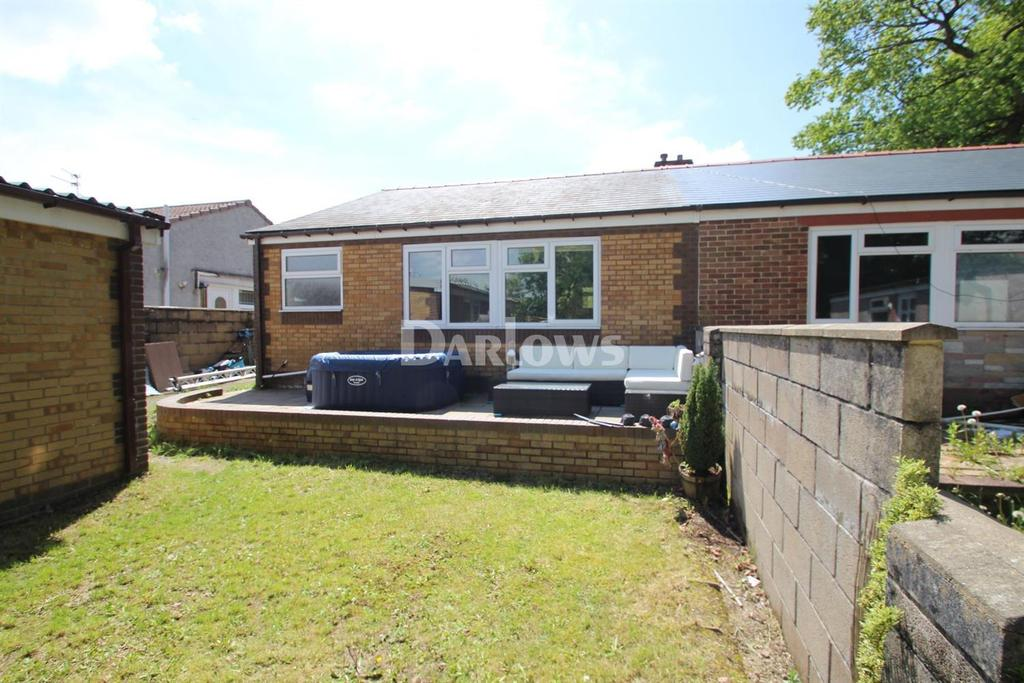3 Bedrooms Bungalow for sale in Ashford Close, Glyncoch