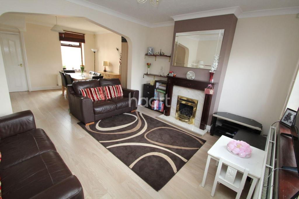 2 Bedrooms Terraced House for sale in George Street, Romford Centre