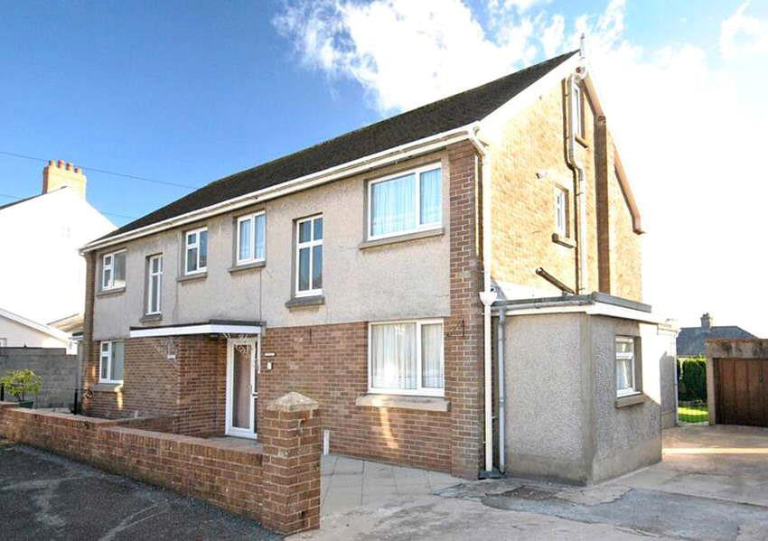 3 Bedrooms House for sale in Steele Avenue, Carmarthen